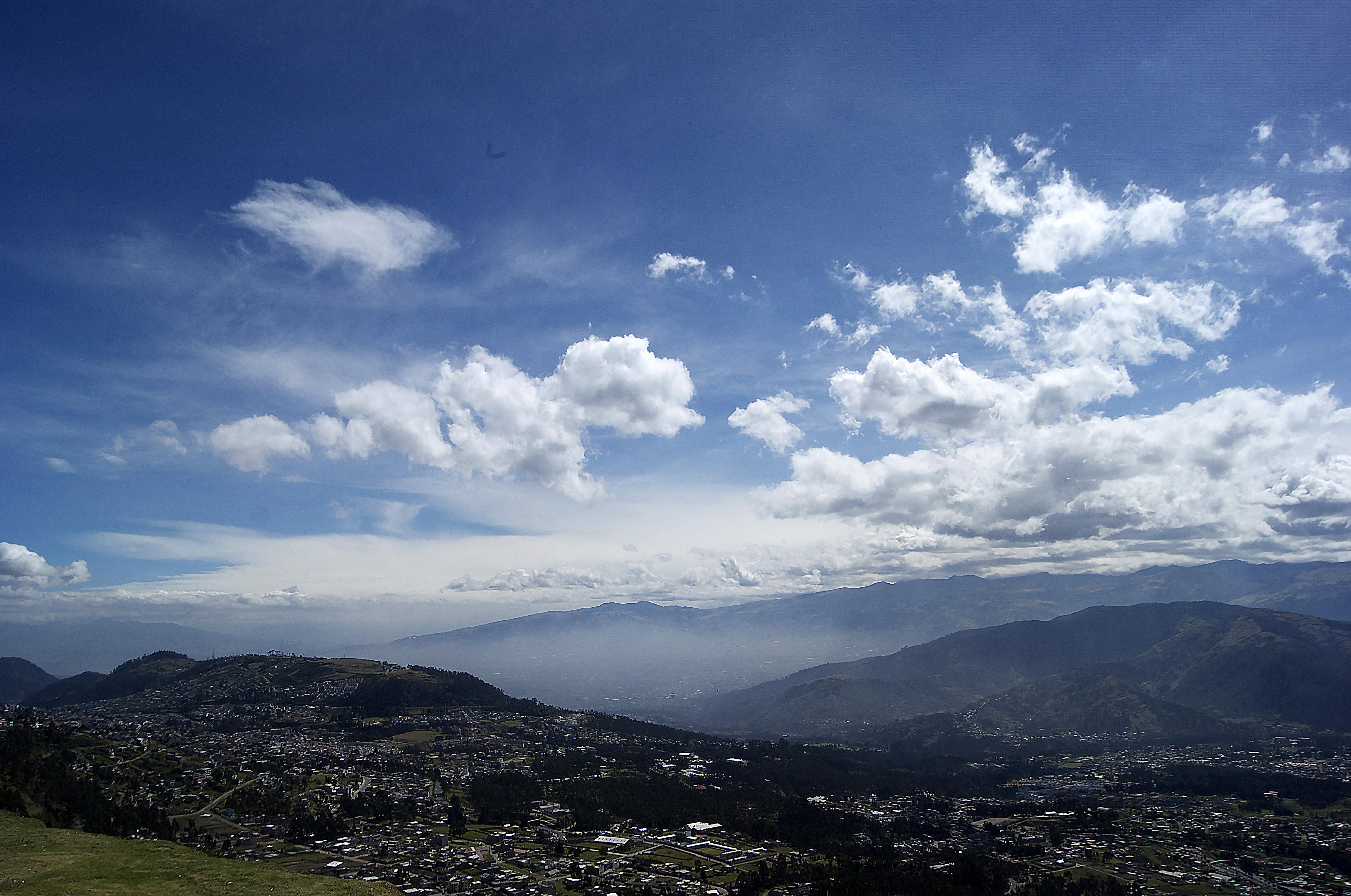 A work by Does - Quito equador skyline 1