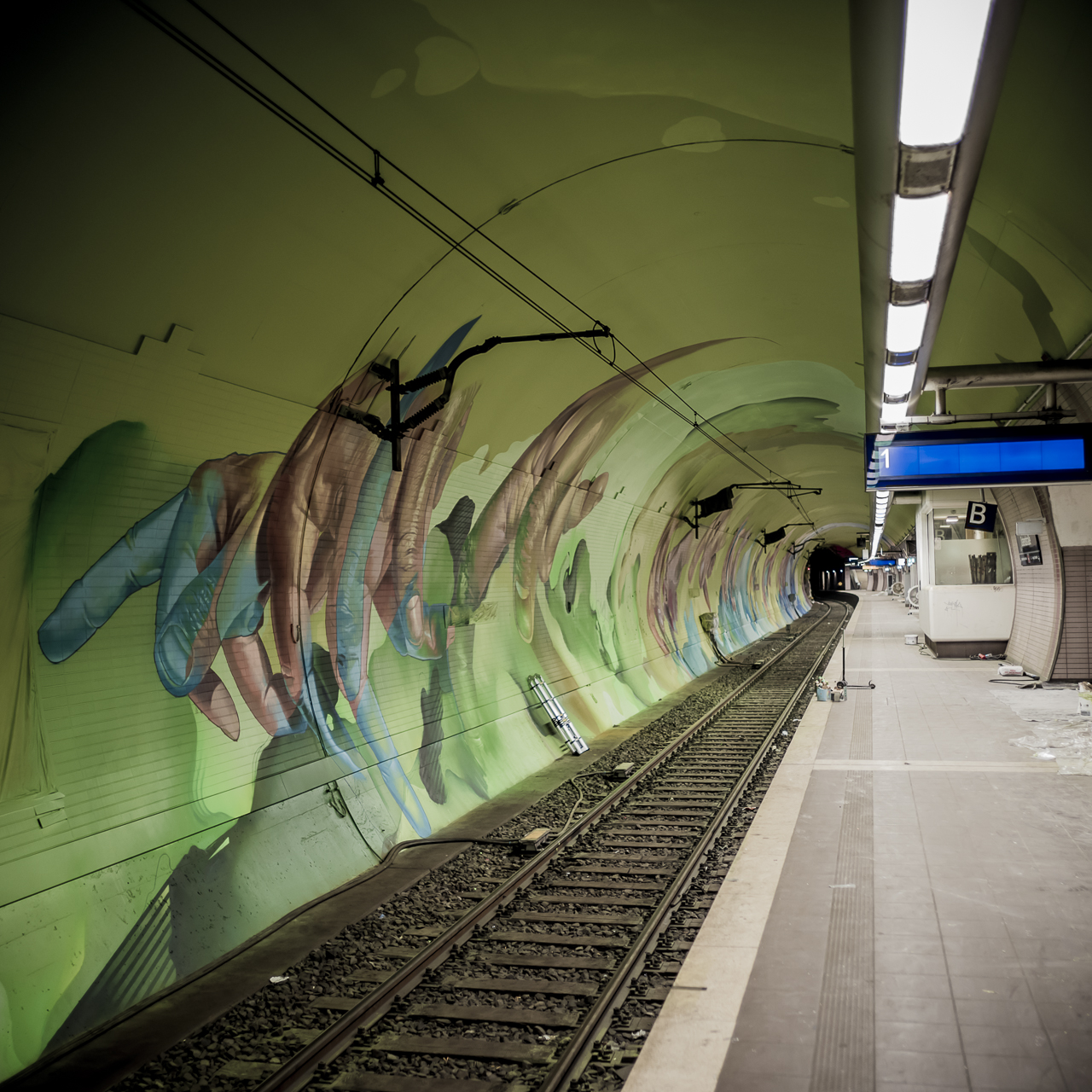 A work by Does - Ostendstrasse frankfurt germany tunnel rudi 5